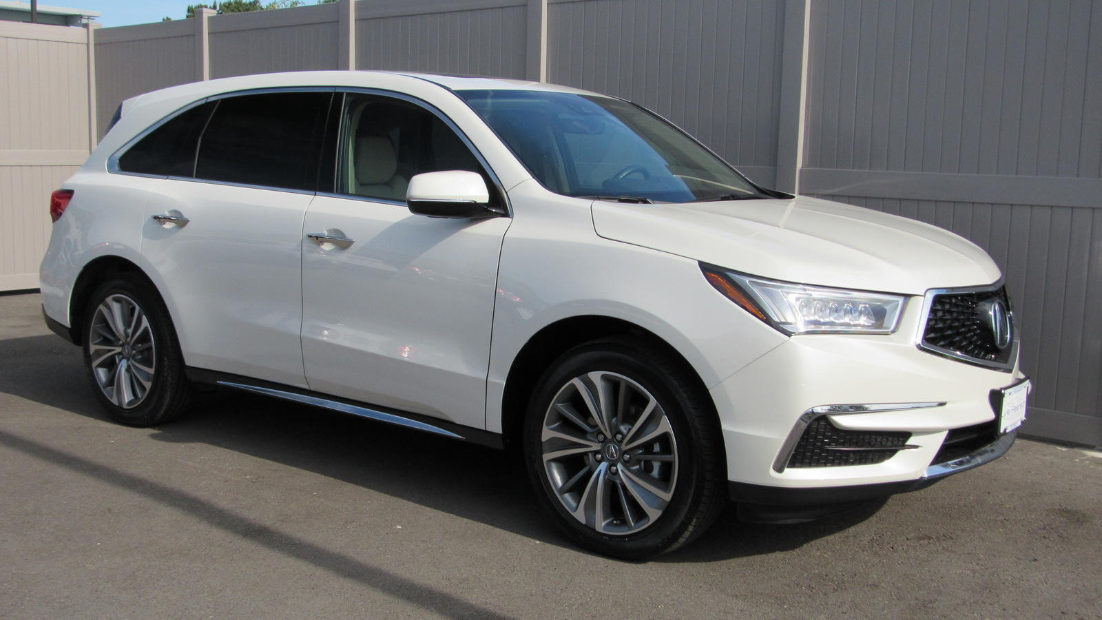 Pre-Owned 2017 Acura MDX SH-AWD w/Technology Pkg