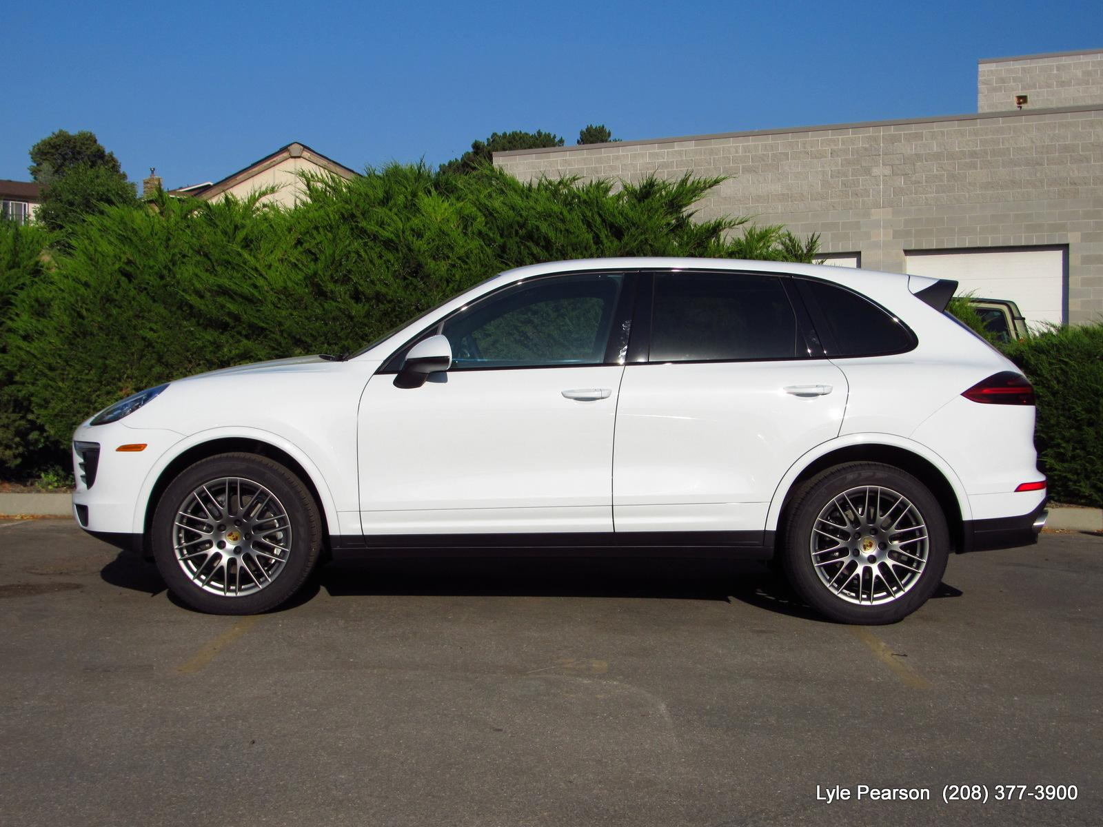 Pre-Owned 2018 Porsche Cayenne AWD