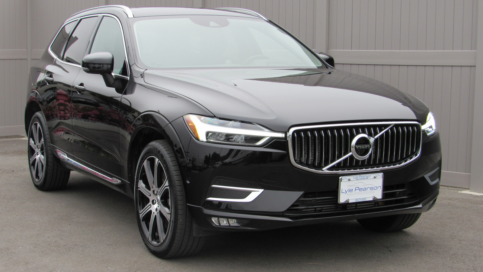 Pre-Owned 2018 Volvo XC60 T6 AWD Inscription