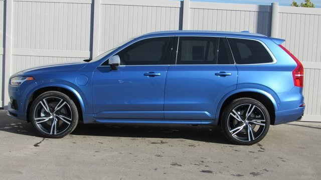 Pre-Owned 2016 Volvo XC90 Hybrid T8 R-Design