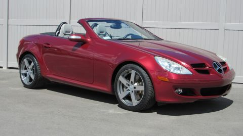 Pre-Owned 2005 Mercedes-Benz SLK Roadster 3.5L