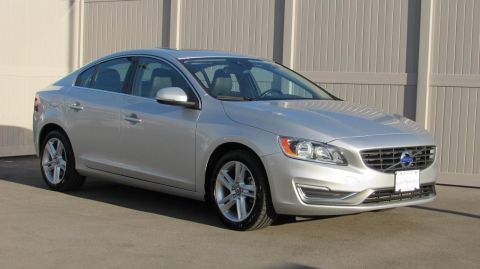Pre-Owned 2015 Volvo S60 4dr Sdn T5 Drive-E Platinum FWD